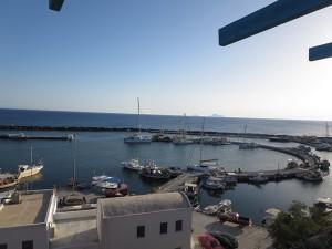 16 Marina in Santorin