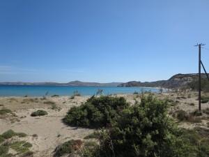 25 Milos - karge Landschaft
