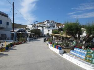 53 Kythnos - Uferpromenade nicht nur für Touristen