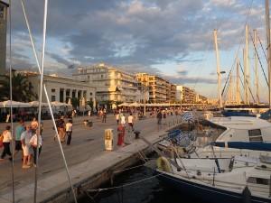 80 Volos - Hafenpromenande