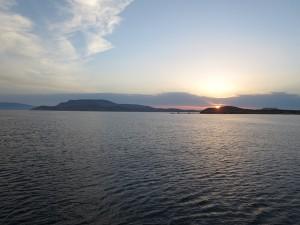13 Sonnenuntergang in der Bucht Schoinousa