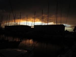 110 marina IBS Yacht Point Cagliari im Lichterspiel