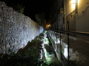 60 Stadtmauer am Abend Cefalu