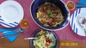 Penne ala Carloforte mit Salat