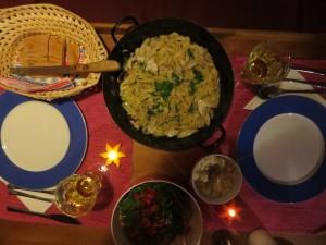 Tagliatelle mit Steinpilzen und Tomatensalat