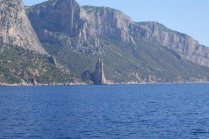 015 Steilkueste auf dem Weg nach La Caletta