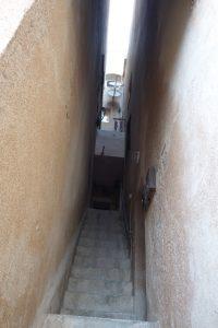 038 enger Treppenaufgang
