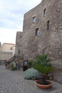 069 Eingang zum Castel