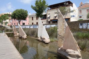 093 Skulpturen am Hafen