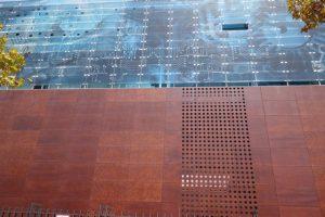 131 modern ... das Gebäude der Technik