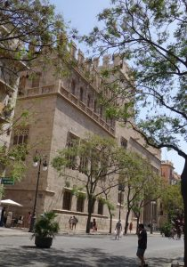 66 die Seidenbörse - gotische Baukunst