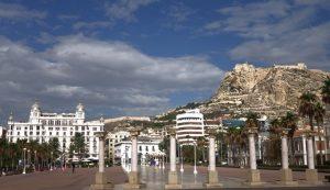 15 Blick zum Castelle vom Hafen