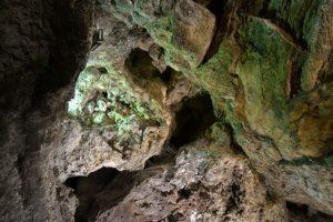 39 grüne Höhle