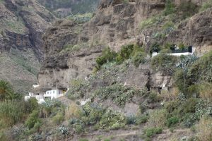 78 Höhlenwohnungen